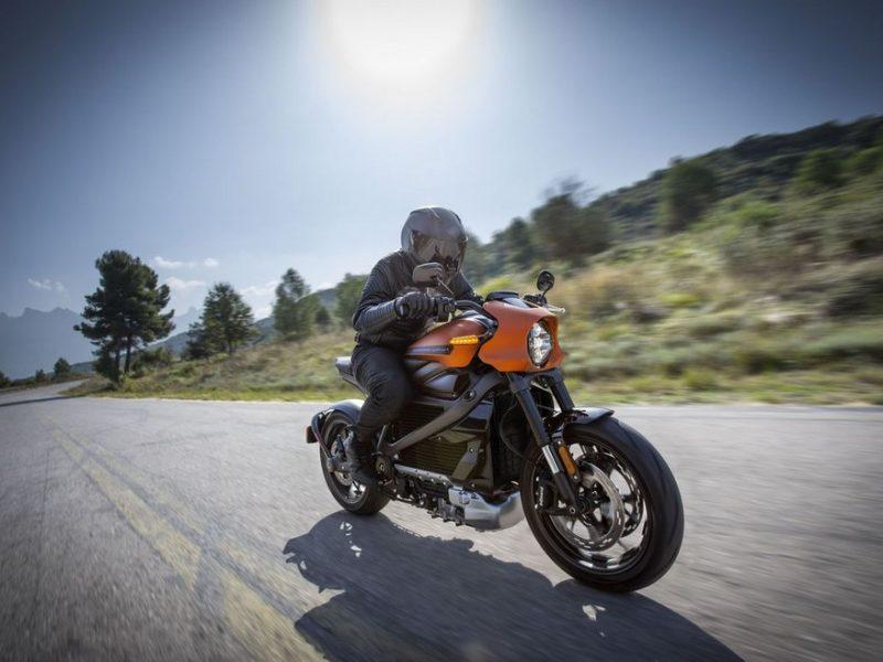 Zoom sur quelques dérivées de la moto
